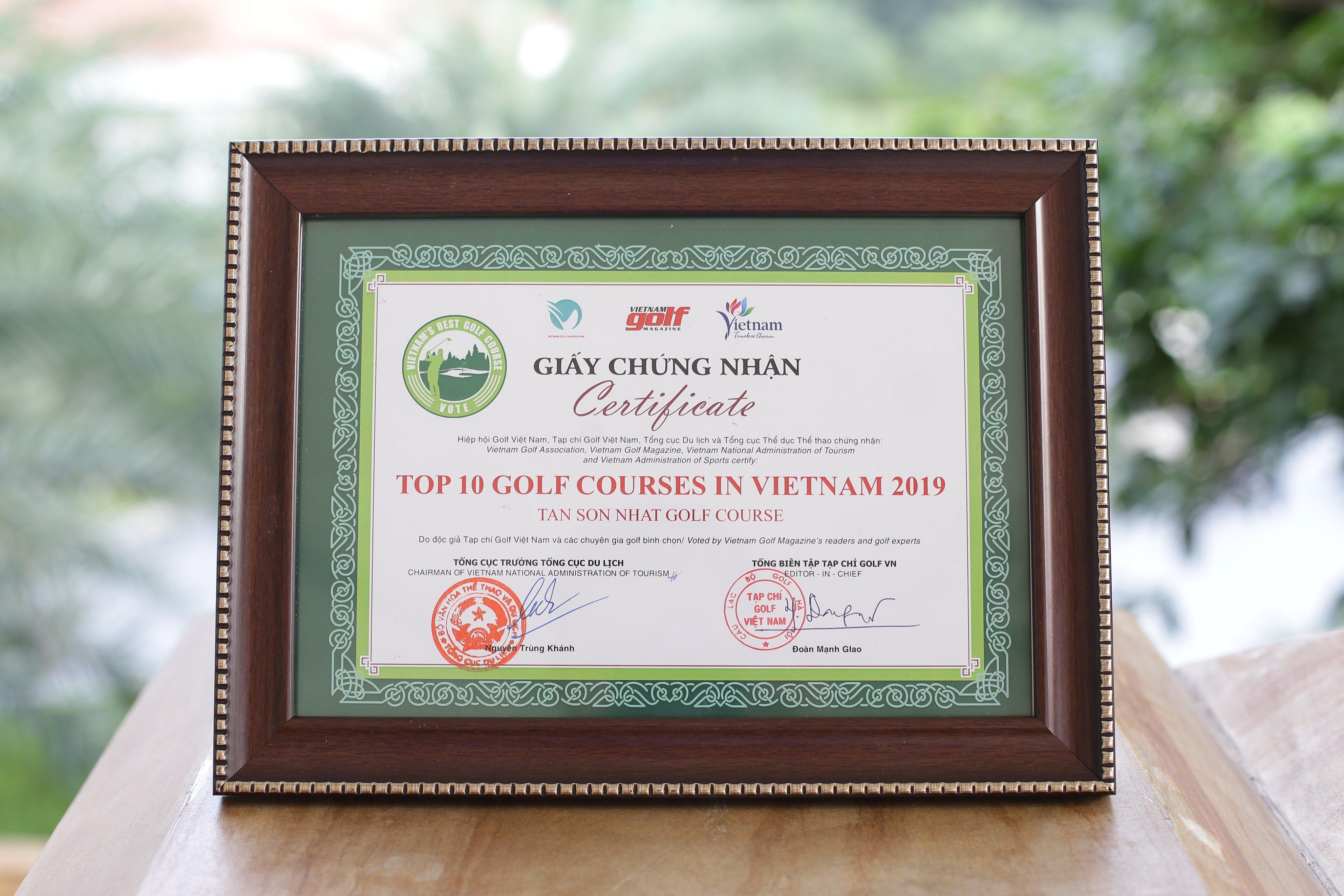 """Sân Golf Tân Sơn Nhất đạt danh hiệu """"Top 10 Sân Golf Tốt Nhất Việt Nam"""" tại sự kiện """"Bình chọn sân golf tốt nhất Việt nam 2019"""